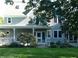 5 BR,  4.50 BTH Single family style home in Biddeford