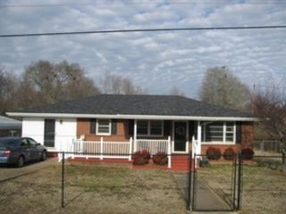 3 BR,  2.50 BTH  Traditional style home in Acworth