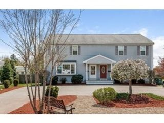 4 BR,  4.00 BTH Traditional style home in Maryville