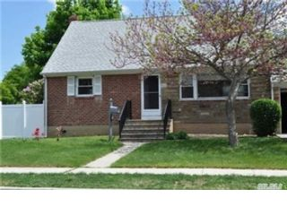 1 BR,  1.00 BTH  Single family style home in Oakdale
