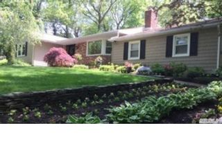 5 BR,  4.50 BTH  Colonial style home in Lloyd Harbor