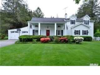 4 BR,  2.50 BTH Single family style home in Paxton