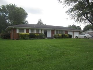 2 BR,  3.00 BTH  Single family style home in Knoxville