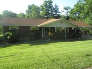 3 BR,  1.00 BTH  Single family style home in Knoxville