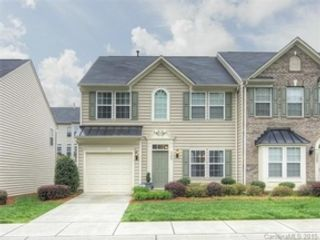 4 BR,  3.50 BTH Colonial style home in Bolton