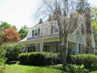 3 BR,  2.50 BTH  Colonial style home in Narragansett