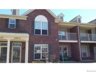 3 BR,  2.00 BTH Single family style home in Versailles