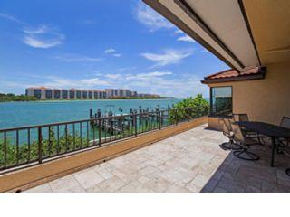 3 BR,  2.00 BTH Condo style home in Naples