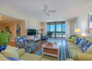 4 BR,  4.50 BTH  Single family style home in Marco Island