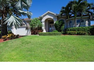 Studio,  0.00 BTH  Land style home in Marco Island