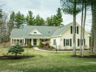 3 BR,  2.50 BTH Ranch style home in Nebo