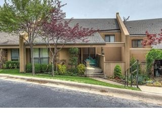 3 BR,  2.00 BTH Contemporary style home in Shasta Lake