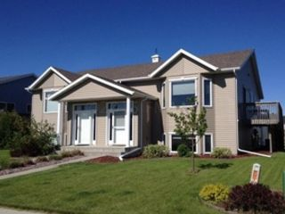 4 BR,  3.50 BTH Single family style home in West Fargo
