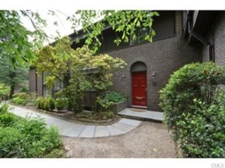 6 BR,  5.50 BTH Colonial style home in New Canaan