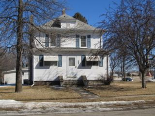 3 BR,  2.50 BTH Single family style home in Detroit Lakes