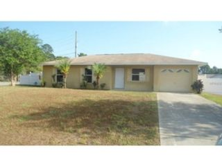 3 BR,  2.00 BTH Single family style home in Tavares