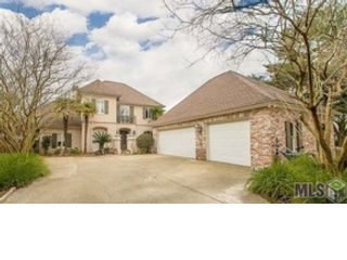 5 BR,  5.50 BTH Single family style home in Baton Rouge