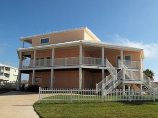 5 BR,  3.50 BTH  Single family style home in Corolla