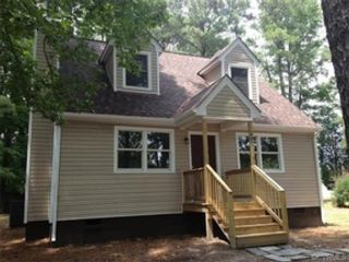 3 BR,  1.00 BTH  Single family style home in Kill Devil Hills
