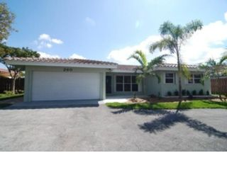 3 BR,  1.50 BTH  Single family style home in Pompano Beach