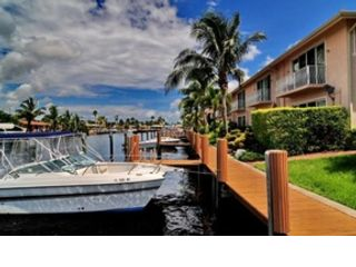 3 BR,  2.50 BTH  Townhouse style home in Pompano Beach