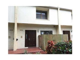 4 BR,  3.00 BTH Single family style home in Pompano Beach