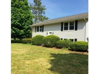 5 BR,  3.50 BTH  Single family style home in Amherst