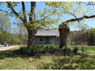 3 BR,  2.50 BTH Single family style home in Amherst