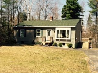 4 BR,  4.50 BTH Single family style home in Winder