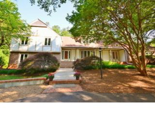 4 BR,  2.50 BTH  Single family style home in Warner Robins