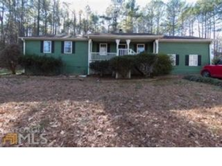4 BR,  4.00 BTH Ranch style home in Loganville