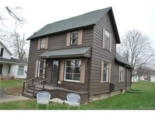 4 BR,  3.50 BTH Single family style home in Elmhurst