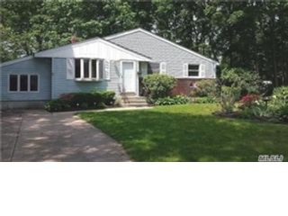 4 BR,  1.00 BTH  Cape cod style home in West Babylon