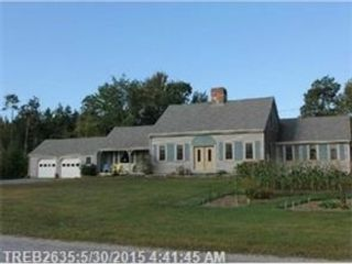 4 BR,  3.50 BTH Colonial style home in Shelton
