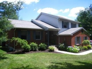 5 BR,  5.50 BTH Contemporary style home in Riverwoods