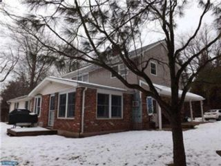 4 BR,  2.50 BTH  Colonial style home in Hoffman Estates