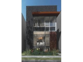 4 BR,  2.50 BTH Single family style home in Chicago