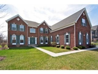 4 BR,  3.50 BTH Single family style home in Park Ridge