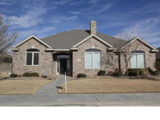 4 BR,  2.50 BTH Single family style home in Lake Bluff