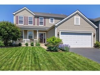 5 BR,  2.50 BTH Colonial style home in Elmhurst