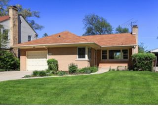 2 BR,  2.50 BTH Single family style home in Evanston