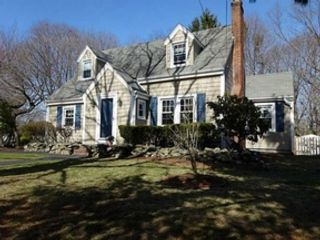 2 BR,  2.50 BTH Single family style home in Wheaton