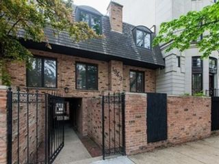 Studio,  1.50 BTH Single family style home in Chicago