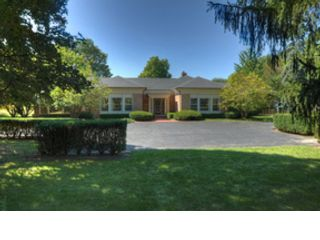 4 BR,  6.50 BTH  Traditional style home in Lake Forest