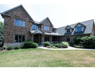 5 BR,  6.50 BTH Colonial style home in Itasca