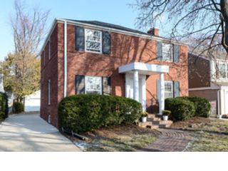 4 BR,  4.50 BTH  Traditional style home in Vernon Hills