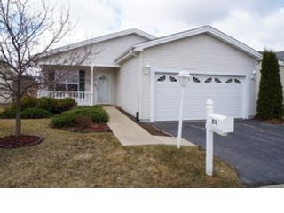4 BR,  4.50 BTH Single family style home in Hinsdale