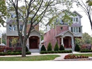 4 BR,  2.50 BTH Traditional style home in Lombard