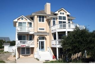 8 BR,  7.50 BTH  Single family style home in Corolla