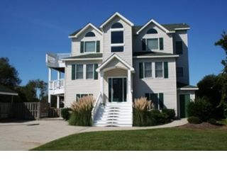 8 BR,  6.00 BTH  Single family style home in Corolla
